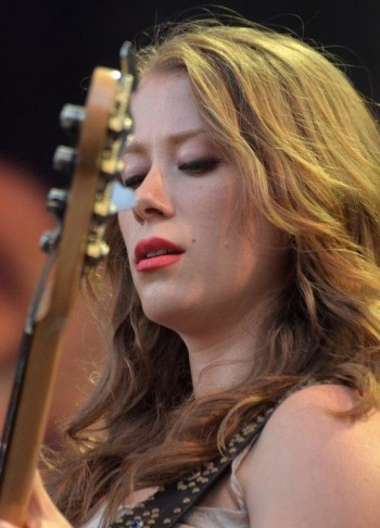 Kanene Pipkin tra The Lone Bellow