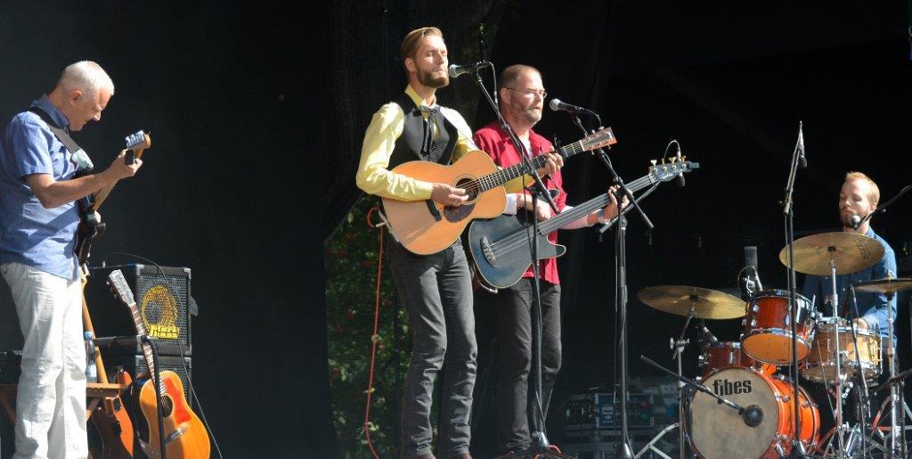 MC Hansen med band