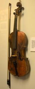 Violinen der var pakket ned i 50 år.