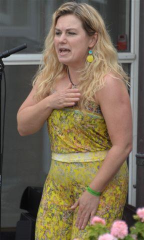 Christine Dueholm kunne også bruge hele kroppen som instrument.
