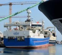 I 2015 lå der er fiskerbåd fra Shetland i Skagen Havn, og nu kommer The Revellers sejlende i en lignende båd til festivalen!