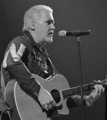 Johnny Logan & Friends gav en kanonkoncert ved en udsolgt koncert i Skagen Kulturcenter & Fritidscenter.