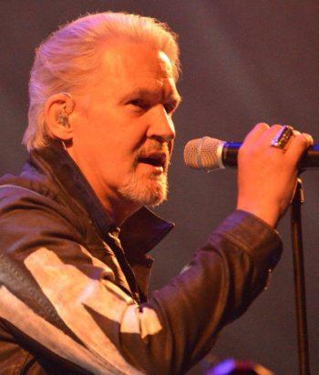 Johnny Logan skyder Tange Sø Folk Festival i gang kl. 13.00