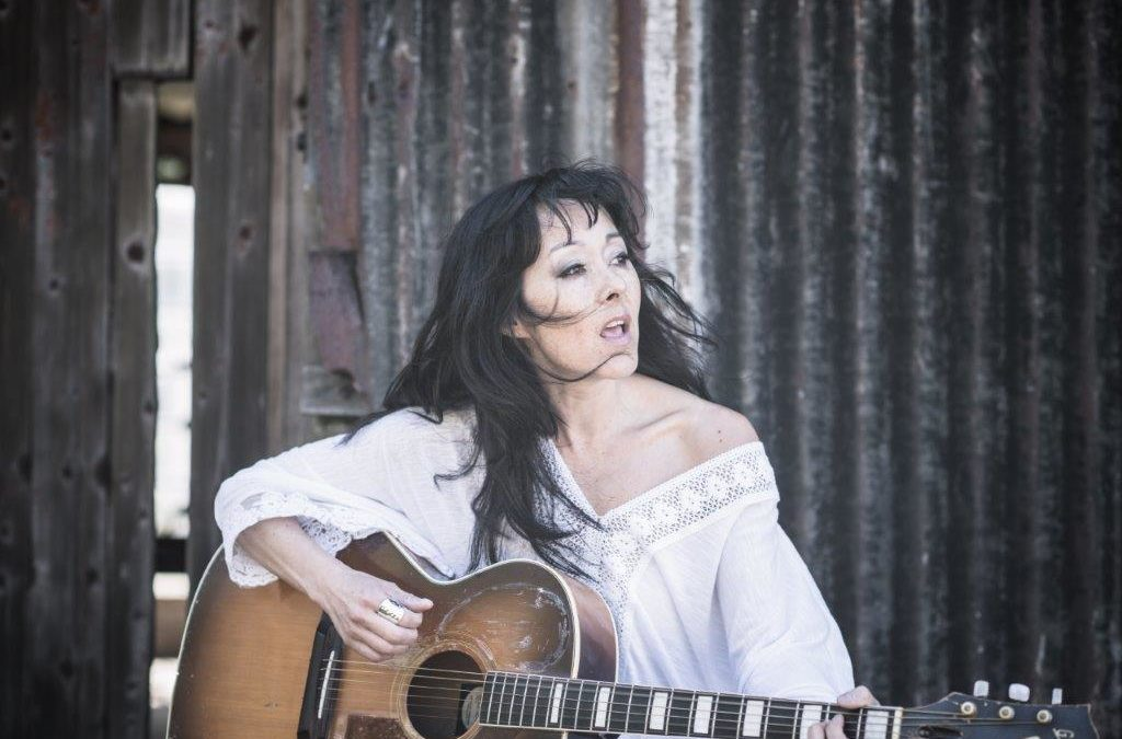 Dana LaCroix er CD- og turneaktuel