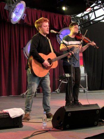 Greg Russell og Ciaran Algar I Telt 2