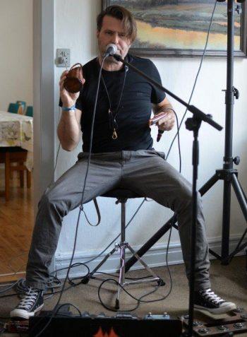 Arme og ben stod ikke stille på den meget energiske multimusiker Danny Wickmann