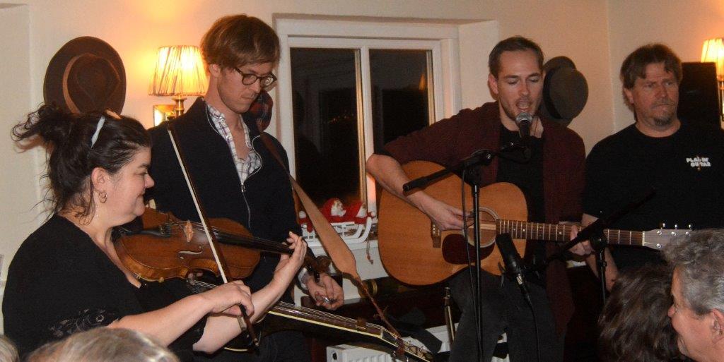 Live: Esben Langkniv m. fl.: Wintercoat