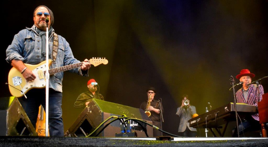 Live: The Mavericks: Jelling Festival