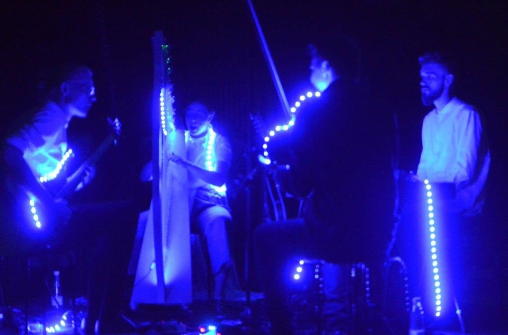 Live: Blåt Lys: Aarhus Folk Festival, Radar