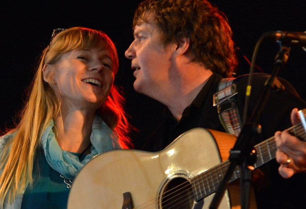 """CD: The Quiggs Folk Duo: """"Wings of Gold"""""""