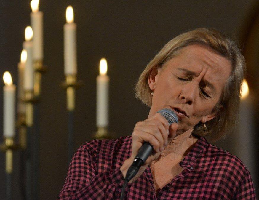 Live: Anne Dorte Michelsen/Skammens Vogn: Træden Vinter Folk